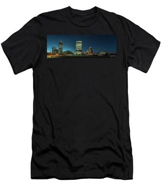 New Milwaukee Skyline Men's T-Shirt (Athletic Fit)