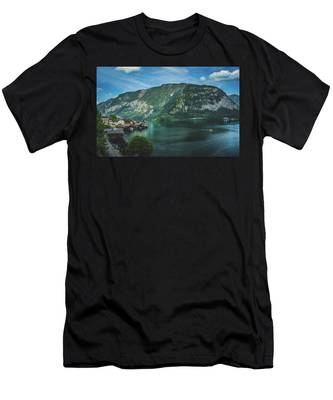 Picturesque Hallstatt Village Men's T-Shirt (Athletic Fit)