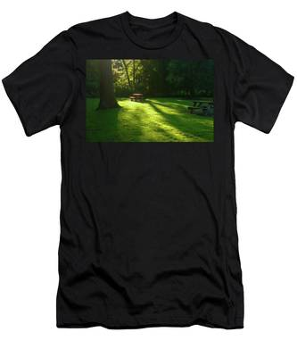 Place Of Honor Men's T-Shirt (Athletic Fit)