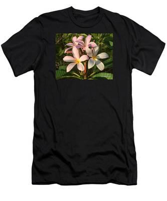 Plumeria Heaven Men's T-Shirt (Athletic Fit)