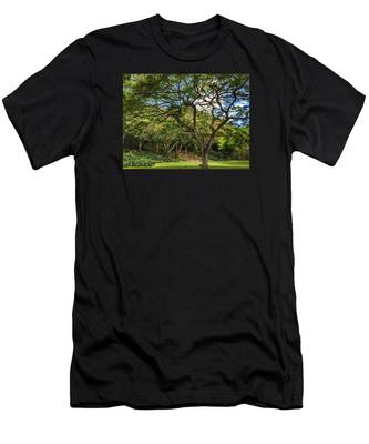 Relaxing Under The Tree Men's T-Shirt (Athletic Fit)