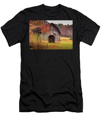 Rustic Barn In Autumn Men's T-Shirt (Athletic Fit)