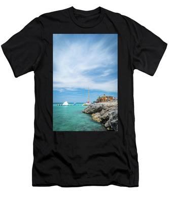 Coastline Sailing In Montego Bay Men's T-Shirt (Athletic Fit)