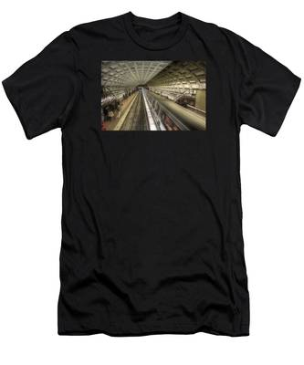 Smithsonian Metro Station Men's T-Shirt (Athletic Fit)