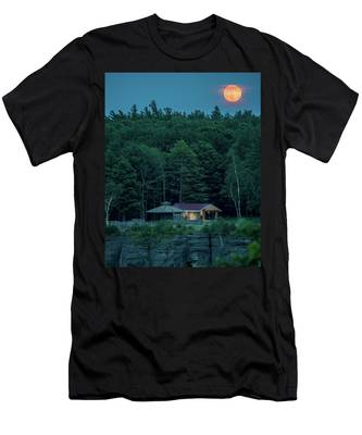 Men's T-Shirt (Athletic Fit) featuring the photograph Strawberry Moon by Brad Wenskoski