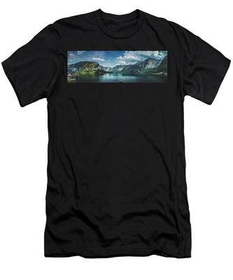 Stunning Lake Hallstatt Panorama Men's T-Shirt (Athletic Fit)