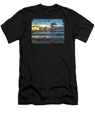 Sun Rays  Men's T-Shirt (Athletic Fit)