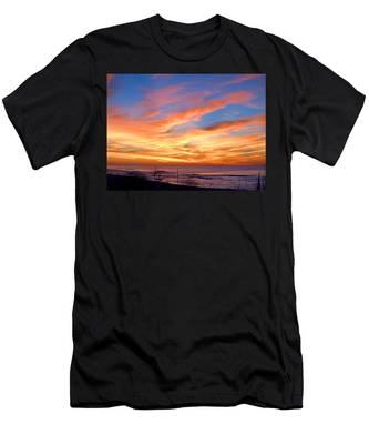 Sunrise Dune I I I Men's T-Shirt (Athletic Fit)
