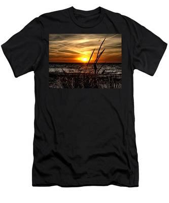 Sunset Walk Men's T-Shirt (Athletic Fit)
