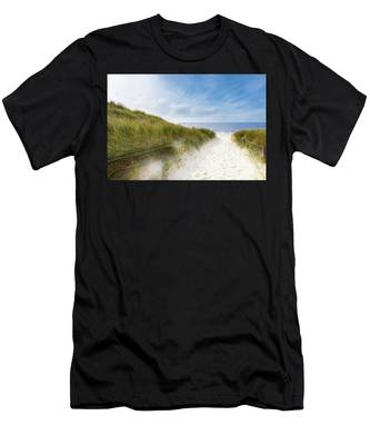 The First Look At The Sea Men's T-Shirt (Athletic Fit)