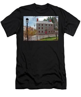 The William Pitt Tavern Men's T-Shirt (Athletic Fit)
