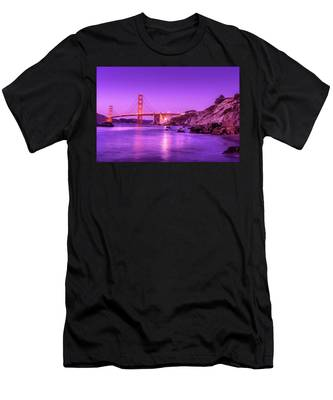 Golden Gate Bridge At Night Men's T-Shirt (Athletic Fit)