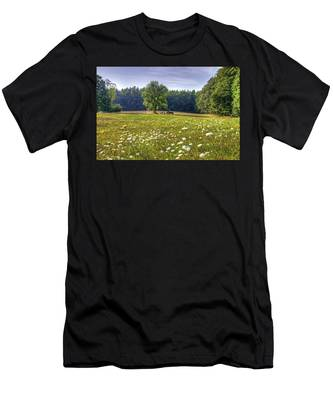Tractor In Field With Flowers Men's T-Shirt (Athletic Fit)