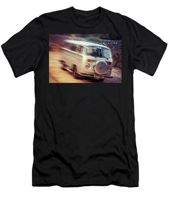 Vw Camper On A Kodak Moment Men's T-Shirt (Athletic Fit)