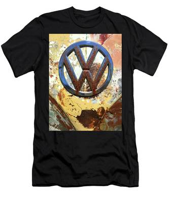 Vw Volkswagen Emblem With Rust Men's T-Shirt (Athletic Fit)