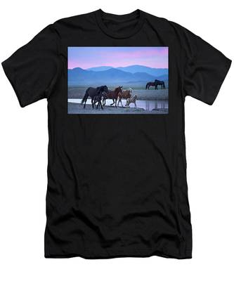 Wild Horse Sunrise Men's T-Shirt (Athletic Fit)