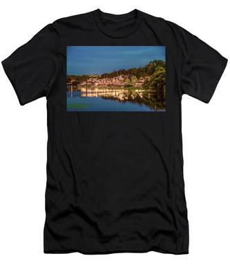 Schuylkill At Night - Boathouse Row Men's T-Shirt (Athletic Fit) by Bill Cannon