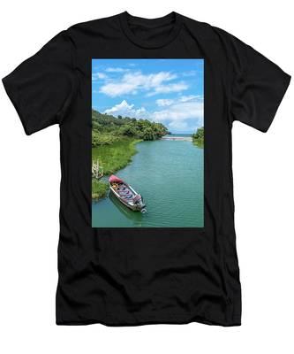 Tour Boat In Jamaica Men's T-Shirt (Athletic Fit)