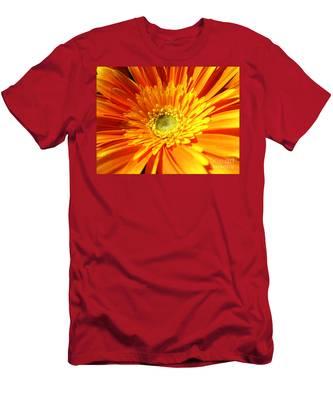 Orange Gerbera Men's T-Shirt (Athletic Fit)