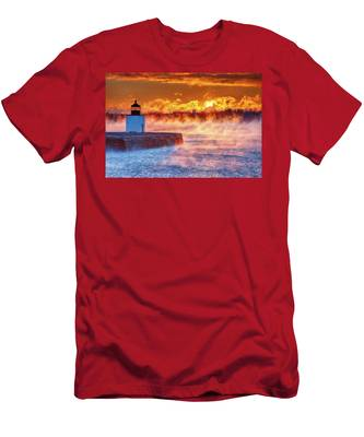 Men's T-Shirt (Athletic Fit) featuring the photograph Seasmoke At Salem Lighthouse by Jeff Folger