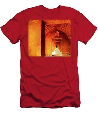 Doors Of India - Taj Mahal Men's T-Shirt (Athletic Fit)