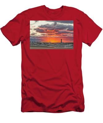 Sun Sinking Below The Horizon Men's T-Shirt (Athletic Fit)
