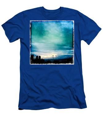 Aqua Needle Men's T-Shirt (Athletic Fit)