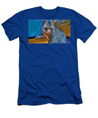 Le Chat Bleu Men's T-Shirt (Athletic Fit)