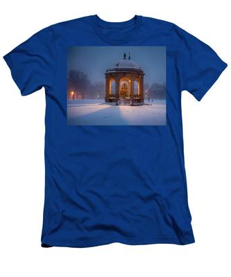 Men's T-Shirt (Athletic Fit) featuring the photograph Snowy Night On The Salem Common by Jeff Folger
