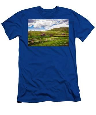 True Grit Ranch Men's T-Shirt (Athletic Fit)