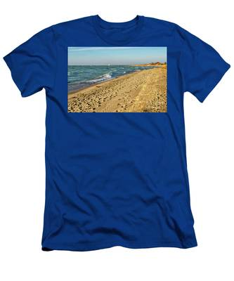 Footprints In The Sand Men's T-Shirt (Athletic Fit)