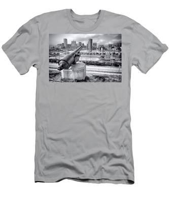 Baltimore Inner Harbor Skyline Men's T-Shirt (Athletic Fit)