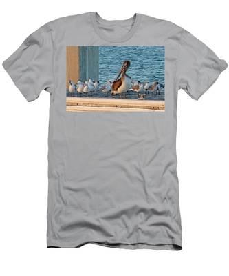 Birds - Among Friends Men's T-Shirt (Athletic Fit)