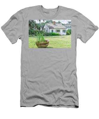 Evergreen Plantation Back Men's T-Shirt (Athletic Fit)