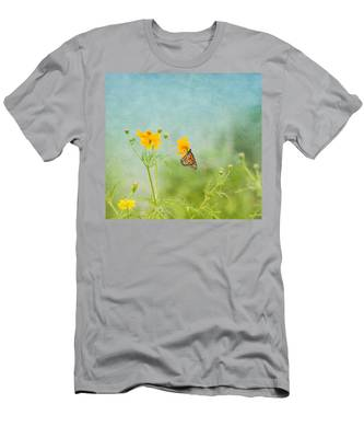 In The Garden - Monarch Butterfly Men's T-Shirt (Athletic Fit)