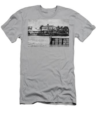 Matanzas Pass - Fort Myers Beach - Florida Men's T-Shirt (Athletic Fit)