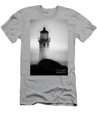 Pointe Vincente Lighthouse Men's T-Shirt (Athletic Fit)