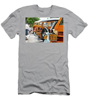 Woodys On Ocean Avenue  Men's T-Shirt (Athletic Fit)