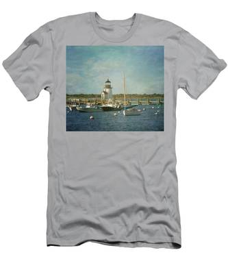 Welcome To Nantucket Men's T-Shirt (Athletic Fit)