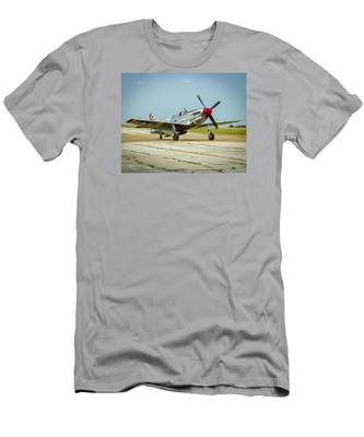 North American Tp-51c Mustang Men's T-Shirt (Athletic Fit)