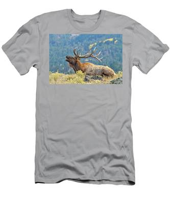 Bull Elk Bugling Men's T-Shirt (Athletic Fit)