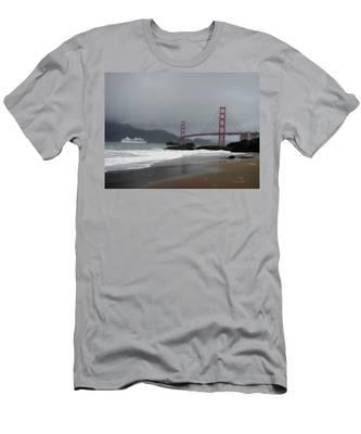 Entering The Golden Gate Men's T-Shirt (Athletic Fit)