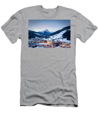 Kirchberg Austria In The Evening Men's T-Shirt (Athletic Fit)