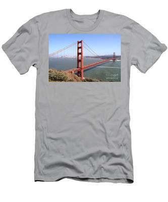 The San Francisco Golden Gate Bridge 7d14507 Men's T-Shirt (Athletic Fit)