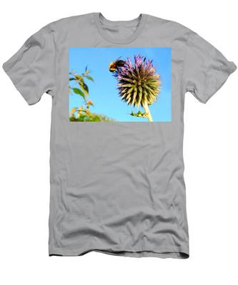The Thistle And The Bee. Men's T-Shirt (Athletic Fit)