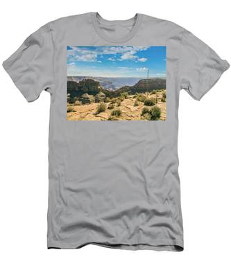 Eagle Rock, Grand Canyon. Men's T-Shirt (Athletic Fit)