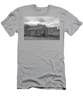 Lock House And Store - Waterloo Village Men's T-Shirt (Athletic Fit)