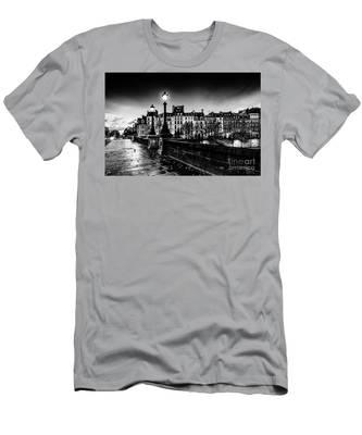 Paris At Night - Pont Neuf Men's T-Shirt (Athletic Fit)