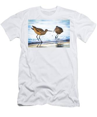 Sanderlings Playing At The Beach Men's T-Shirt (Athletic Fit)
