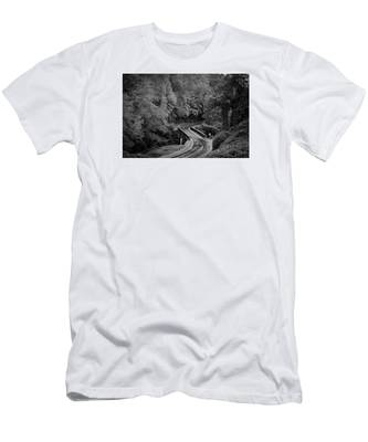 A Wet And Twisty Road Through The Blue Ridge Mountains In Black And White Men's T-Shirt (Athletic Fit)